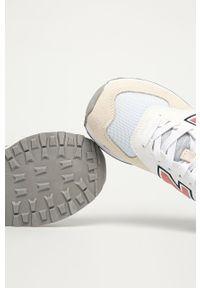 Białe buty sportowe New Balance z cholewką, z okrągłym noskiem