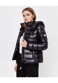 MONCLER - Czarna kurtka Bady. Kolor: czarny. Materiał: puch, materiał