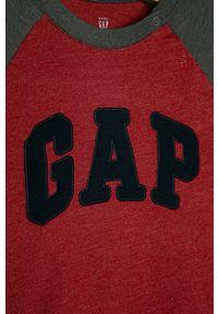 Czerwona koszulka z długim rękawem GAP z okrągłym kołnierzem, z aplikacjami, casualowa