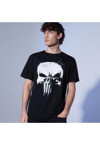 Cropp - Koszulka z nadrukiem Punisher - Czarny. Kolor: czarny. Wzór: nadruk