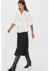 Biała bluzka Answear Lab krótka, elegancka, na co dzień