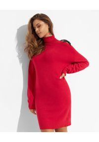 Ermanno Firenze - ERMANNO FIRENZE - Czerwona sukienka z dzianiny. Okazja: na co dzień. Typ kołnierza: golf. Kolor: czerwony. Materiał: dzianina. Długość rękawa: długi rękaw. Typ sukienki: proste, oversize. Styl: casual