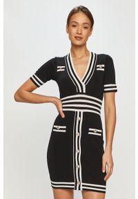Czarna sukienka Silvian Heach z krótkim rękawem, mini