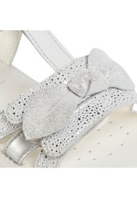 Białe sandały Geox casualowe, na co dzień, z aplikacjami