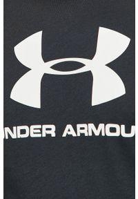 Under Armour - T-shirt. Okazja: na co dzień. Kolor: czarny. Materiał: dzianina. Wzór: nadruk. Styl: casual