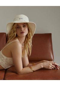 LESHKA - Lniany kapelusz Ecru Bucket Hat. Kolor: beżowy. Materiał: len