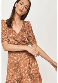 Wielokolorowa sukienka ANSWEAR w kwiaty, prosta