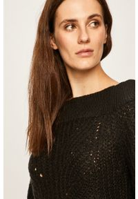Czarny sweter Noisy may z dekoltem typu hiszpanka