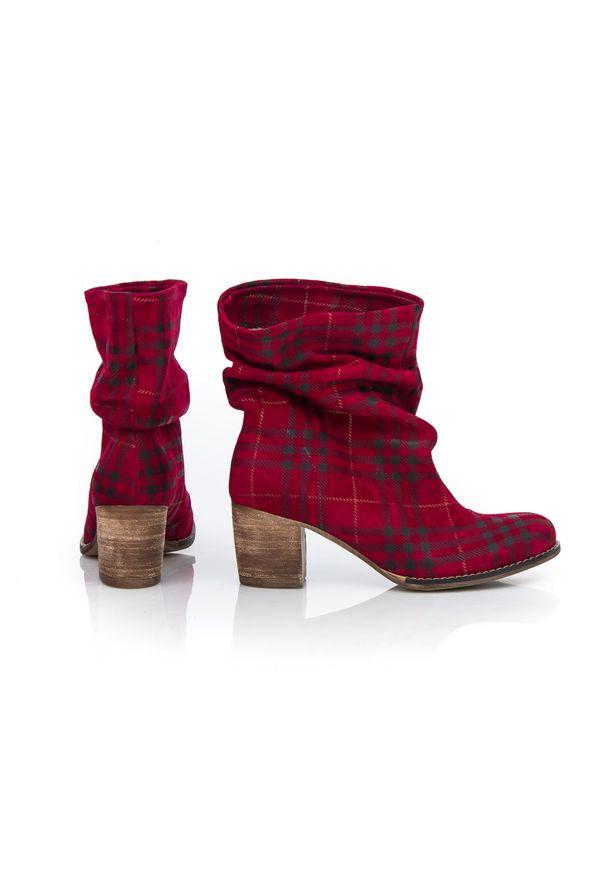 Botki Zapato z okrągłym noskiem, bez zapięcia, z cholewką za kolano, klasyczne