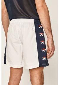Białe szorty Reebok Classic sportowe, z nadrukiem