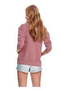 TOP SECRET - Bluza kangurka z kapturem. Okazja: na co dzień. Typ kołnierza: kaptur. Kolor: różowy. Materiał: tkanina. Długość: krótkie. Sezon: wiosna. Styl: casual