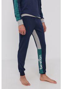 United Colors of Benetton - Piżama. Kolor: niebieski. Długość: długie. Wzór: nadruk