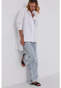 Answear Lab - Koszula bawełniana. Kolor: biały. Materiał: bawełna. Długość rękawa: długi rękaw. Długość: długie. Wzór: gładki. Styl: wakacyjny