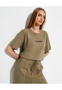 NANUSHKA - T-shirt z bawełny organicznej z logo Reece. Kolor: zielony. Materiał: bawełna. Wzór: napisy