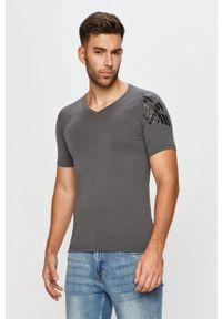 Szary t-shirt Emporio Armani z nadrukiem