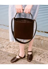 BALAGAN - Brązowa torebka kubełek CHAMPAGNE. Kolor: brązowy. Styl: casual