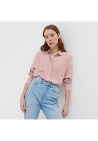 Sinsay - Klasyczna koszula z wiskozy - Różowy. Kolor: różowy. Materiał: wiskoza. Styl: klasyczny
