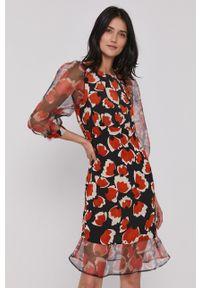 Sisley - Sukienka. Materiał: tkanina. Typ sukienki: rozkloszowane