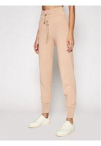 Kontatto Spodnie materiałowe 3M7264 Brązowy Regular Fit. Kolor: brązowy. Materiał: materiał