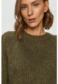 Zielony sweter Noisy may długi, z okrągłym kołnierzem, z długim rękawem