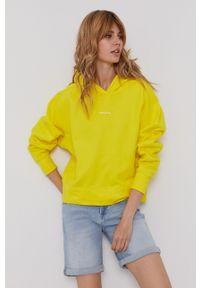 Calvin Klein Jeans - Bluza bawełniana. Typ kołnierza: kaptur. Kolor: żółty. Materiał: bawełna. Długość rękawa: długi rękaw. Długość: długie
