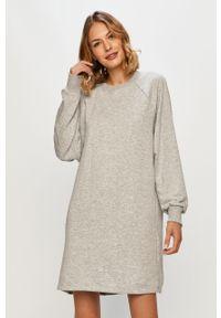 Szara sukienka Noisy may prosta, casualowa, mini, na co dzień