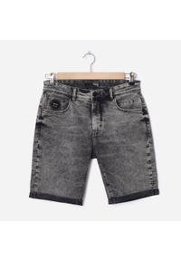 House - Jeansowe szorty z efektem sprania basic - Szary. Kolor: szary. Materiał: jeans