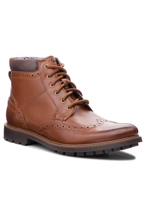 Brązowe buty zimowe Clarks z cholewką