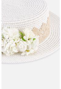 Kremowy kapelusz Mayoral