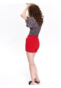 DRYWASH - Szorty damskie. Kolor: czerwony. Materiał: bawełna. Długość: krótkie. Wzór: gładki. Sezon: wiosna, lato. Styl: wakacyjny
