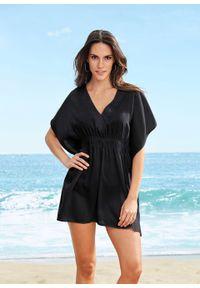 Długa tunika plażowa bonprix czarny. Okazja: na plażę. Typ kołnierza: dekolt w serek. Kolor: czarny. Długość: długie. Styl: elegancki