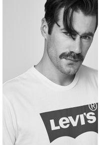 Levi's® - Levi's - T-shirt Graphic. Okazja: na spotkanie biznesowe. Kolor: biały. Wzór: nadruk. Styl: biznesowy