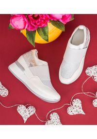 Białe buty sportowe FOREVERFOLIE bez zapięcia, trekkingowe