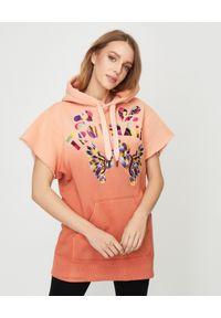 ISABEL MARANT - Pomarańczowa bluza z krótkim rękawem Miami. Typ kołnierza: kaptur. Kolor: pomarańczowy. Materiał: bawełna, dresówka, jeans. Długość rękawa: krótki rękaw. Długość: krótkie. Wzór: napisy, haft, aplikacja, kolorowy. Styl: sportowy