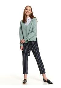 TOP SECRET - Spodnie długie damskie. Stan: podwyższony. Kolor: niebieski. Materiał: guma. Długość: długie. Wzór: paski. Sezon: wiosna