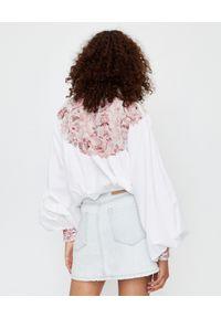 ONETEASPOON - Biała bluzka z haftem. Kolor: biały. Materiał: tkanina, jeans. Długość: długie. Wzór: haft