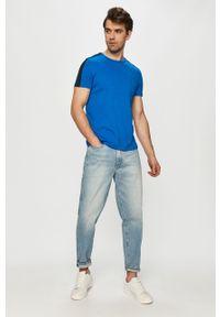 Niebieski t-shirt TOMMY HILFIGER z aplikacjami, casualowy