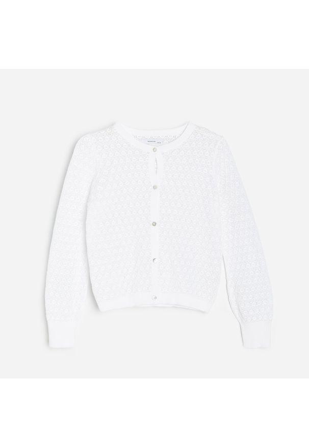 Kremowy sweter Reserved w ażurowe wzory