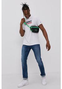 Tommy Jeans - T-shirt bawełniany. Kolor: biały. Materiał: bawełna. Wzór: nadruk