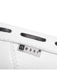Nessi - Mokasyny NESSI - 21127 Biały/Coco. Okazja: na co dzień. Kolor: biały. Materiał: skóra. Wzór: aplikacja. Sezon: lato. Styl: klasyczny, sportowy, elegancki, casual
