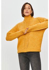 Answear Lab - Sweter. Typ kołnierza: golf. Kolor: żółty. Materiał: dzianina. Styl: wakacyjny