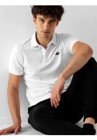 4f - Koszulka polo regular męska. Okazja: na co dzień. Typ kołnierza: polo. Kolor: biały. Materiał: bawełna, dzianina, materiał. Styl: casual