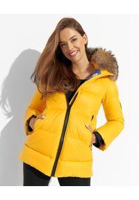 FLO&CLO - Żółta kurtka puchowa Gaia21. Kolor: żółty. Materiał: puch. Wzór: aplikacja, kolorowy