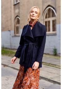 Marie Zélie - Płaszcz Adela granatowy –wełna Nova Fides. Kolor: niebieski. Materiał: wełna. Długość rękawa: długi rękaw. Długość: długie. Sezon: zima