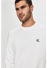 Biała bluza nierozpinana Calvin Klein Jeans z okrągłym kołnierzem, casualowa, na co dzień