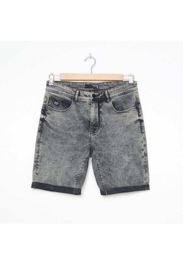 House - Szorty jeansowe basic - Szary. Kolor: szary. Materiał: jeans