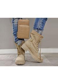 Beżowe botki Zapato na spacer, na płaskiej podeszwie, z cholewką za kostkę, w ażurowe wzory