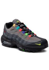 Nike - Buty NIKE - Air Max 95 Se CW6575 001 Light Charcoal/University Red. Okazja: na spacer, na co dzień. Kolor: szary. Materiał: skóra, materiał, zamsz. Szerokość cholewki: normalna. Styl: sportowy, casual. Model: Nike Air Max. Sport: turystyka piesza