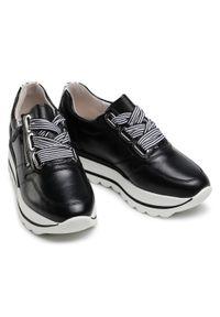 Czarne buty sportowe Gabor na koturnie, z cholewką