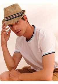 Beżowy kapelusz TOP SECRET na lato, w kolorowe wzory